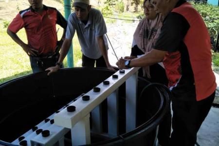 Pemasangan NFT dan NutriPot di SMK Pasir Gudang