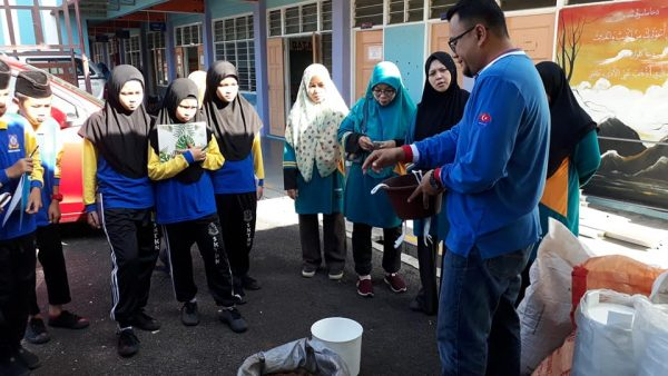 Sekolah Agama Taman Kota Kulai anjur kursus pertanian bandar