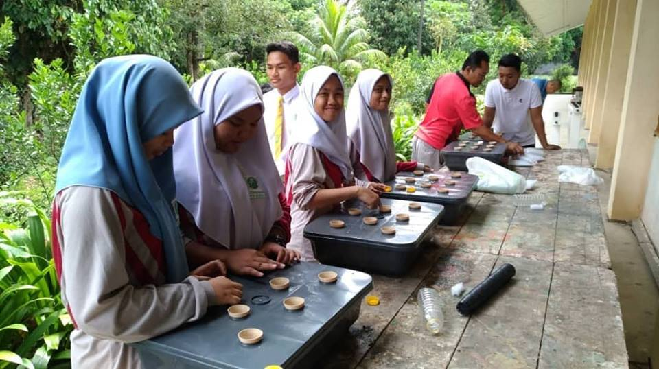 Lawatan Pemantauan Projek Pertanian Bandar SMK Telok Kerang, Pontian