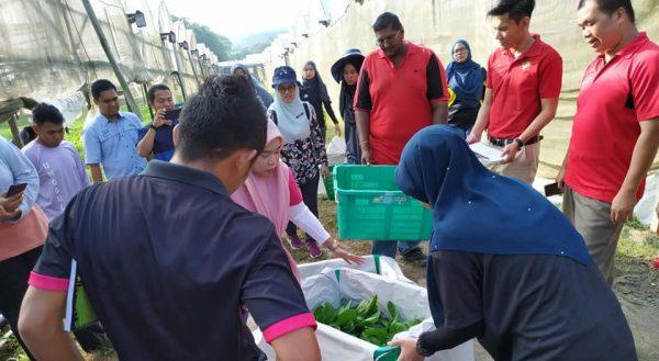 Latihan amali peserta Kursus Mandatori (Pengembangan & Teknikal) Pegawai Pertanian Lantikan Baharu