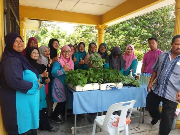 Program Botani Desa KEMAS