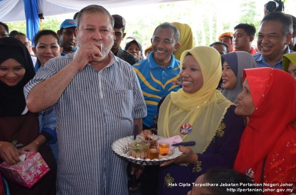 Kembara Mahkota Johor tiba di Daerah Mersing