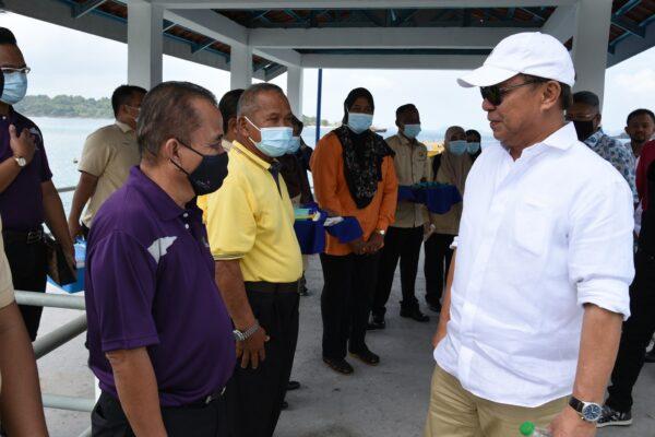Program Penyampaian Geran Bantuan Pertanian Sempena Lawatan YAB Menteri Besar Johor ke Pulau Tinggi, Mersing Johor
